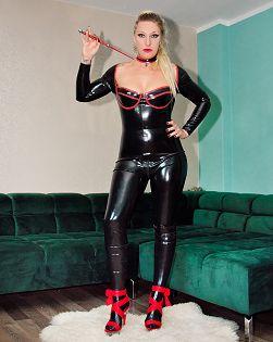 Lady Demona